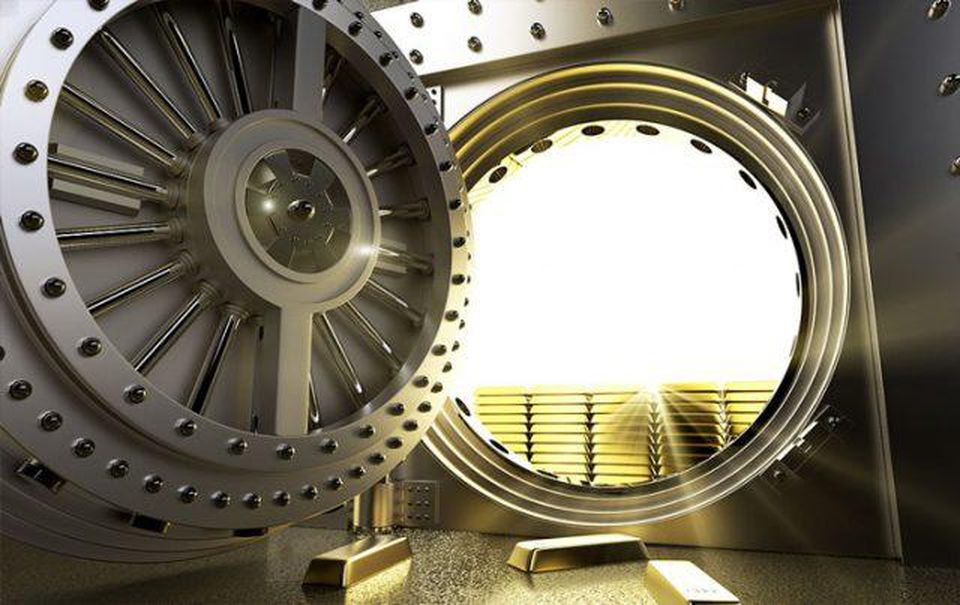 https---blogs-images.forbes.com-greatspeculations-files-2019-02-comm-central-banks-buy-gold-vault-02012019-e1549308943654-2